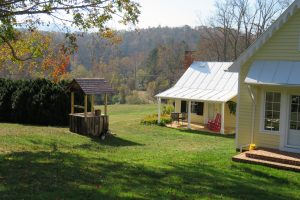 Cottage and wellhouse Fall